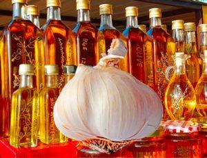 alimentos saludables como el yogur aceite de oliva y el ajo
